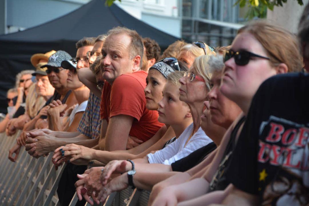 Der Lörracher Marktplatz huldigt Bob Dylan.  | Foto: Barbara Ruda
