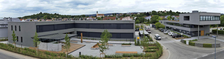 Mit dem Gebäude Bellin II (links) hat ...ren Stammsitz in Ettenheim erweitert.     Foto: Bellin