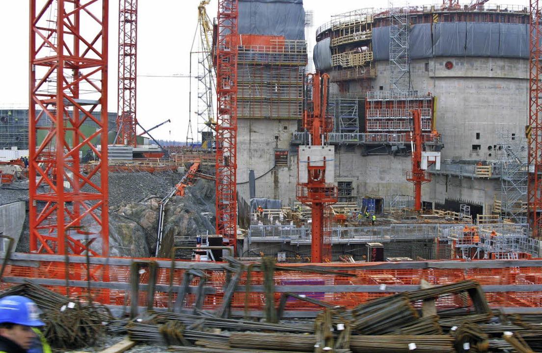 Weit über dem Kostenrahmen und weit hi...s finnische Atomkraftwerk in Olkiluoto  | Foto: dpa