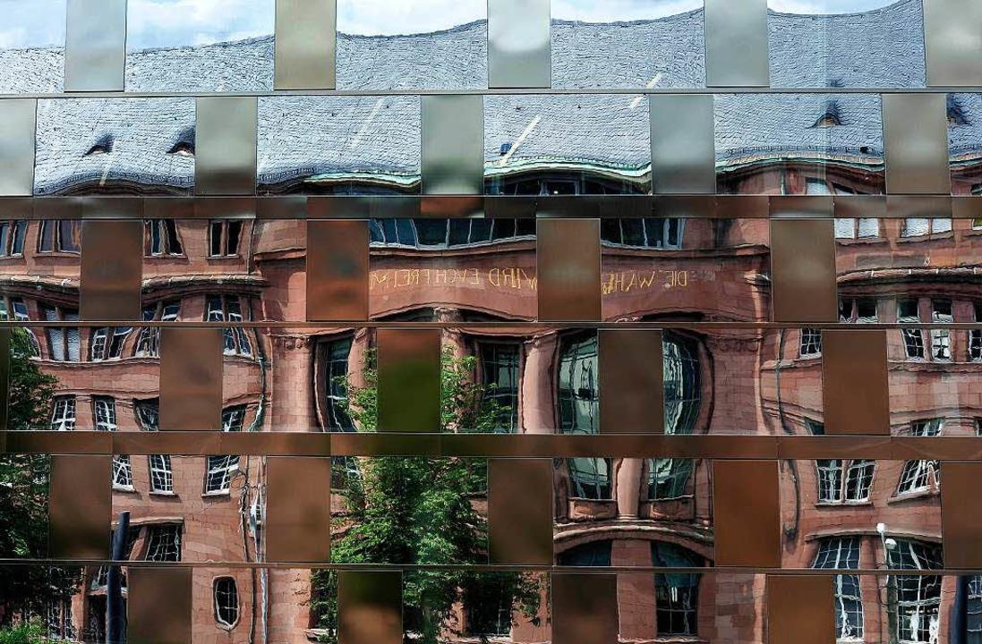 Ein Spiegel der Zeiten:  Die Fassade d...gendstil-Kollegiengebäude I von  1911.  | Foto: thoms kunz