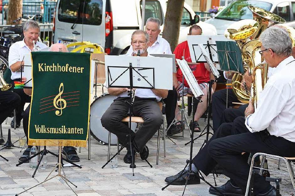 Für Unterhaltung sorgten die Kirchhofener Volksmusikanten (Foto: Andrea Gallien)