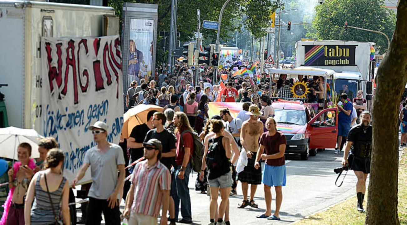 Tausende waren in Freiburg unterwegs.  | Foto: Rita Eggstein