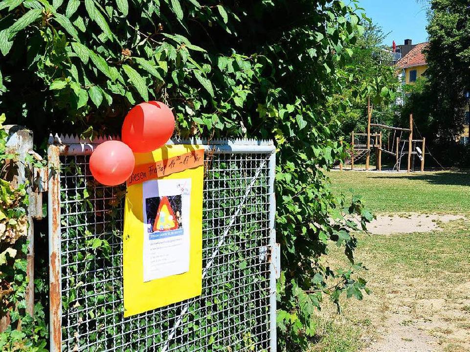 Der Spielplatz, auf dem der Junge das ...oster zu einem Familientreff dort ein.    Foto: Charlotte Janz
