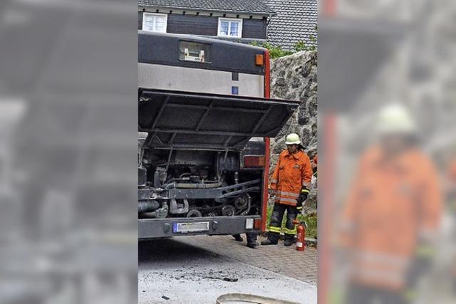 Busmotor fängt Feuer