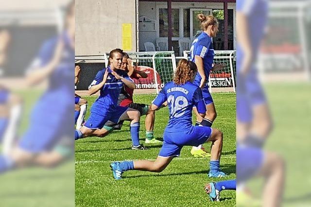 Schweizer Erstliga-Fußballerinnen trainieren in Höchenschwand