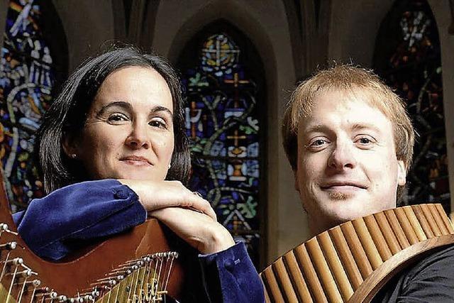 Matthias Schlubeck (Panflöte) und Isabel Moretón (Harfe) in Hinterzarten