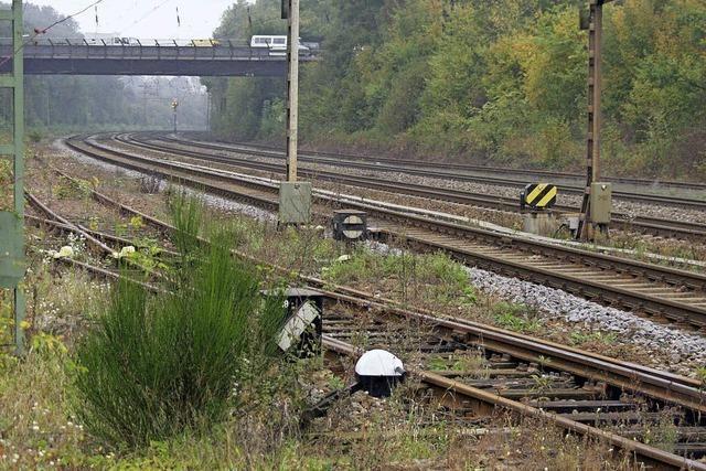 Bahn erneuert ein Ausweichgleis