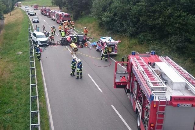 Schwerer Unfall auf der B31 bei Hinterzarten – Sechs Schwerverletzte