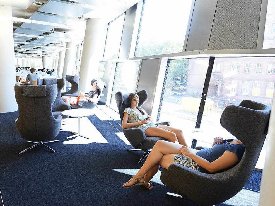 Ikea in der WG, Vitra in der UB.  | Foto: Rita Eggstein