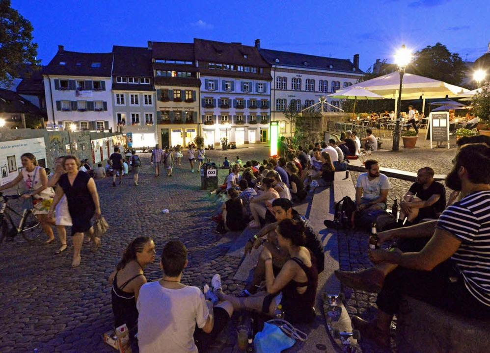 Hier fühlen sich viele Menschen wohl: der Augustinerplatz in Freiburg   | Foto: Bamberger