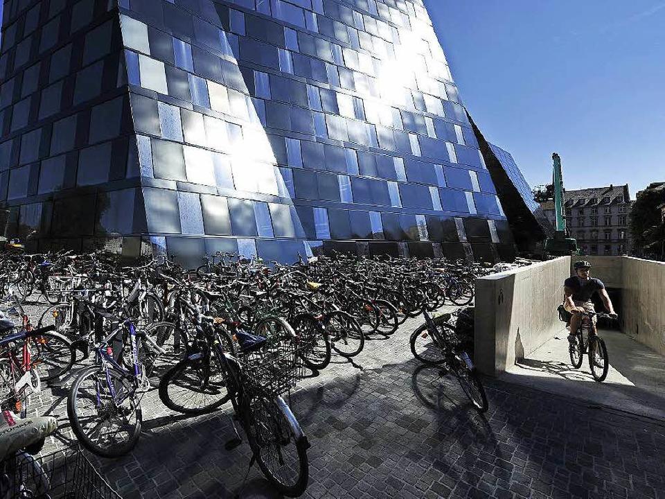 An Tag drei der neuen UB ist der Fahrradkeller noch nicht geschmeidig genutzt.   | Foto: Thomas Kunz