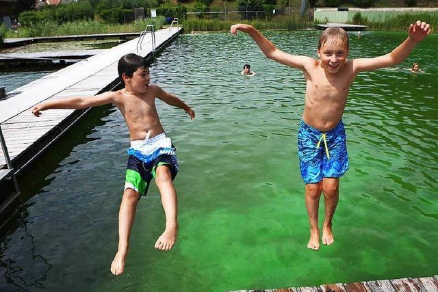 Sommertraum in Grün: Naturbäder in der Region