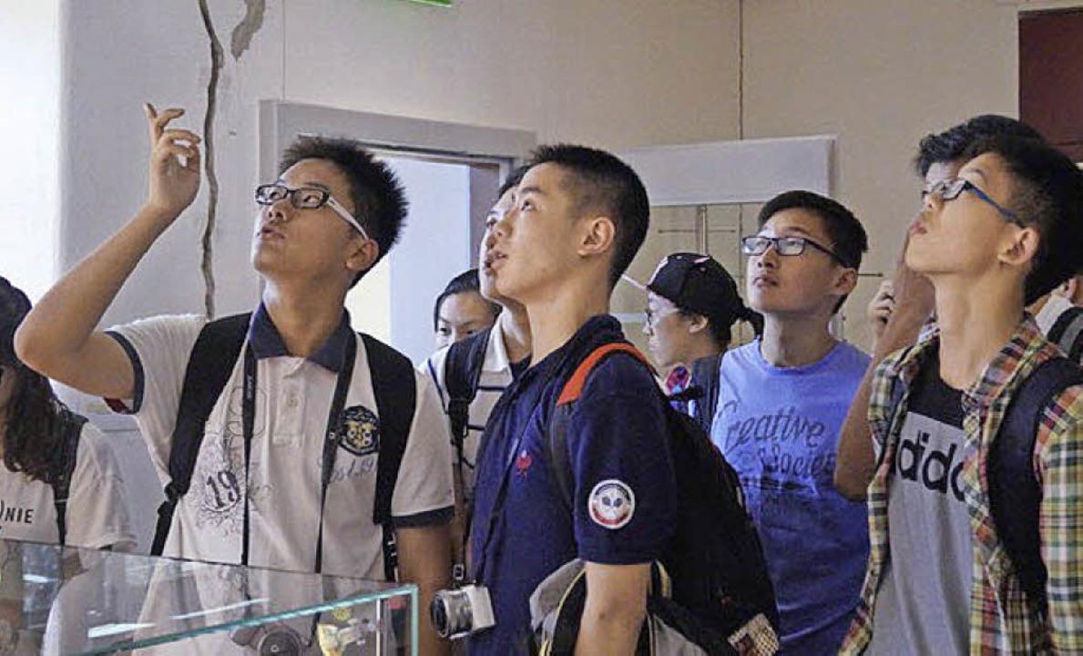 Schülerinnen und Schüler aus Schanghai... der Fauststadt auf Besichtigungstour   | Foto: Jonas Schmid