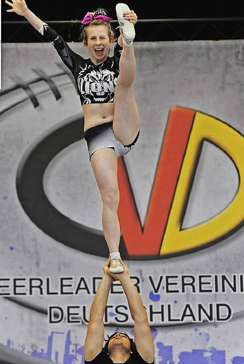 Zur WM nach Berlin fahren die  Cheerleader Kai & Jasmin.  | Foto: ZVG