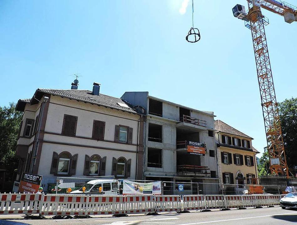 Der Neubau von St. Nikolai zwischen de...nem Wohnhaus an der Freiburger Straße.  | Foto: Sylvia Timm