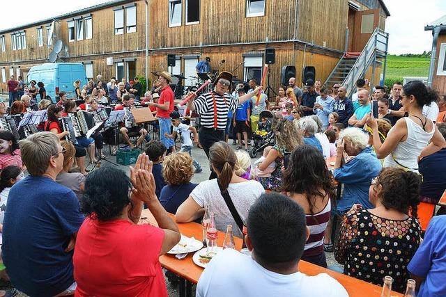 Buntes Fest im Flüchtlingsheim