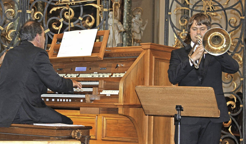 Ein kongeniales Duo: Bezirkskantor Johannes Götz (links) und Frederic Belli  | Foto: Erich Krieger