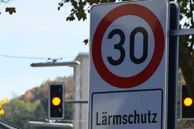 Ratsmehrheit beschließt Temporeduzierungen auf L 186 und Ortsdurchfahrt Waldkirch