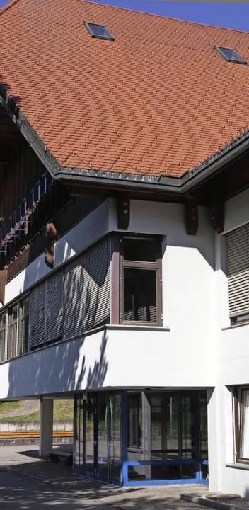 im herbst werden altbaufenster der schule erneuert grafenhausen badische zeitung. Black Bedroom Furniture Sets. Home Design Ideas