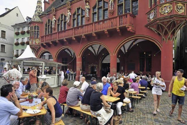 Freiburger Weinkost auf dem Münsterplatz