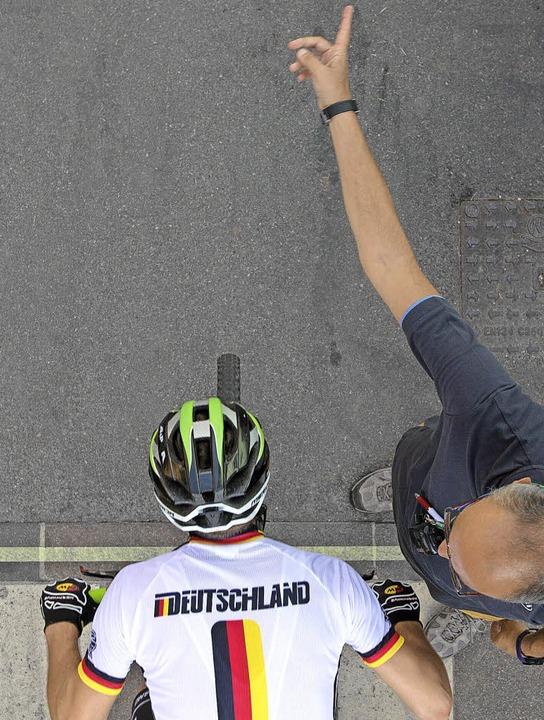 Die Sekunde vor dem Start ins Sprintfi...o Hog ist in diesem Moment ganz Sehne.  | Foto: küstenbrück