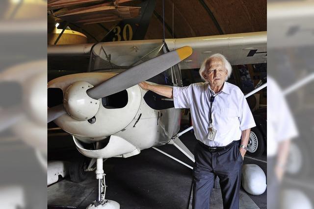 Am Euro-Airport wird eine Sammlung zur Luftfahrtgeschichte inventarisiert