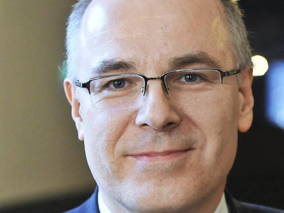 Matthias Schenek, 53, ist als Kanzler der Uni wiedergewählt worden.  | Foto: Ingo Schneider