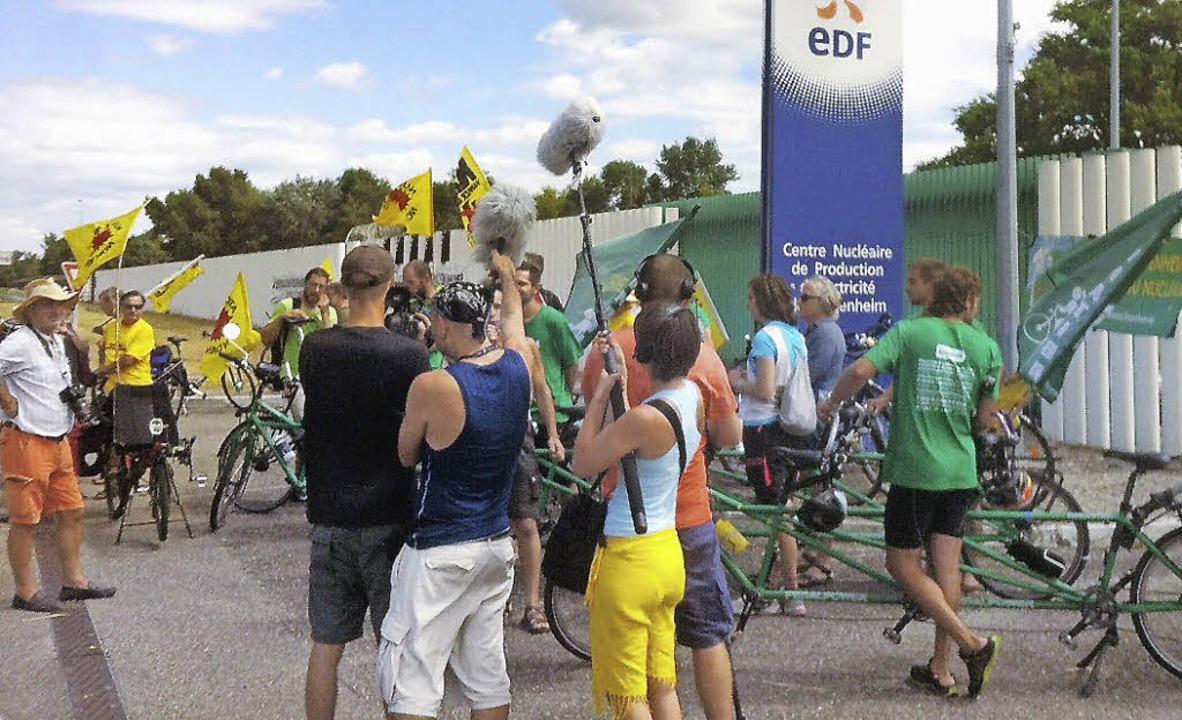 Die Radler der Klimaschutzbewegung &#8...ihrem Protest in Fessenheim<ppp></ppp>  | Foto: privat