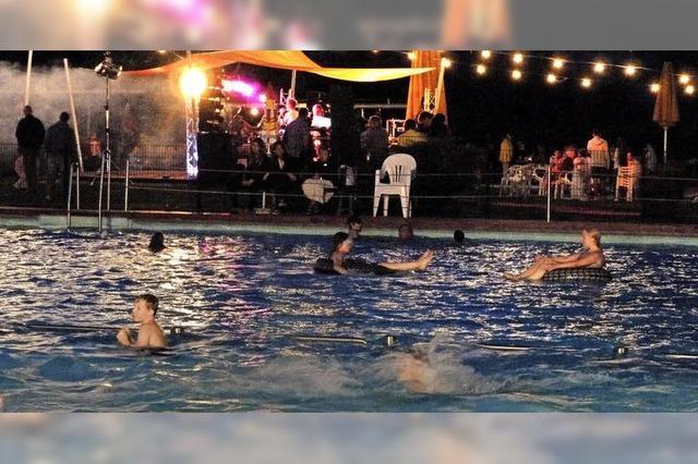 Badespaß mit flotter Musik