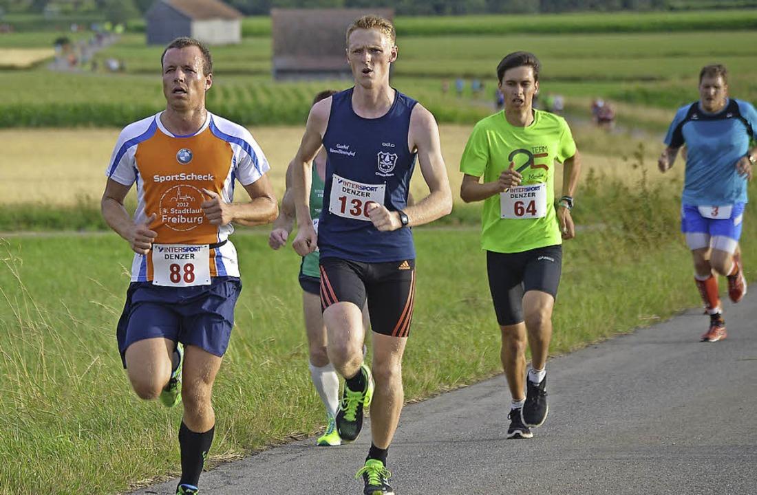 Verfolgergruppe: Bastian Gloeden (zwei... auf der Baar ein engagiertes Rennen.     Foto: junkel