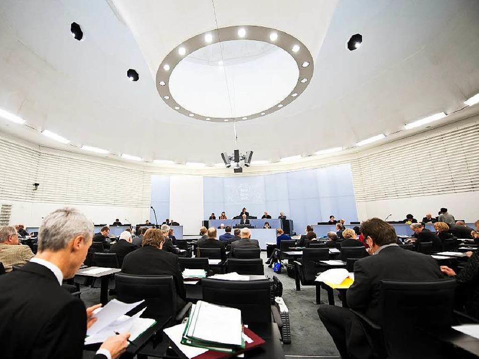 Männlich, um die 50, Jurist. Das ist d... im Landtag, kritisiert der Frauenrat.  | Foto: dpa