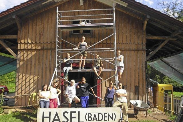 Zeltlager und Bau-Camp am Begegnungsbahnhof Hasel