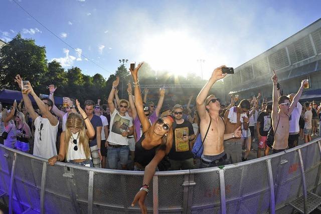 Elektronische Musik in drei Clubs open air