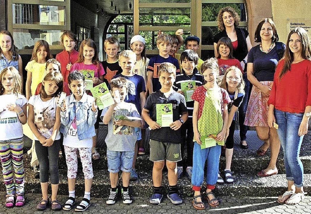 Den Bibliotheksführerschein haben sie erfolgreich bestanden.   | Foto: Privat