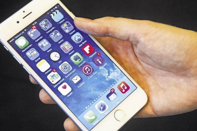 Angeklagter wegen Unterschlagung von teuren Handys verurteilt