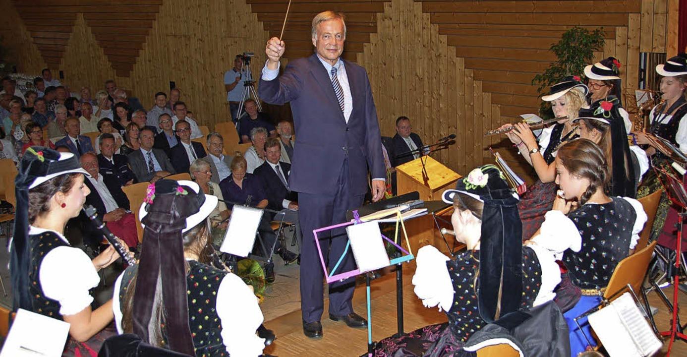 In Heuweiler wurde Bürgermeister Reinh...Badener-Lied und die Gäste sangen mit.    Foto: Andrea Steinhart