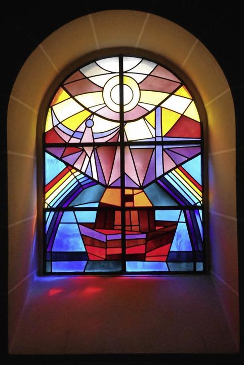 Glasfenster an der Ostseite der Marienkapelle in St. Bonifatius  | Foto: Daniel Scholaster