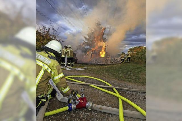 Holzschopf samt Inhalt ging in Flammen auf
