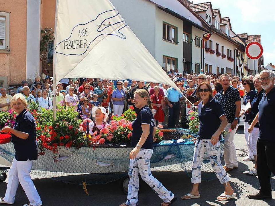 Die Fischerin vom Bodensee: Die Räuber...n bereicherte das Geschehen ebenfalls.  | Foto: Christa maier