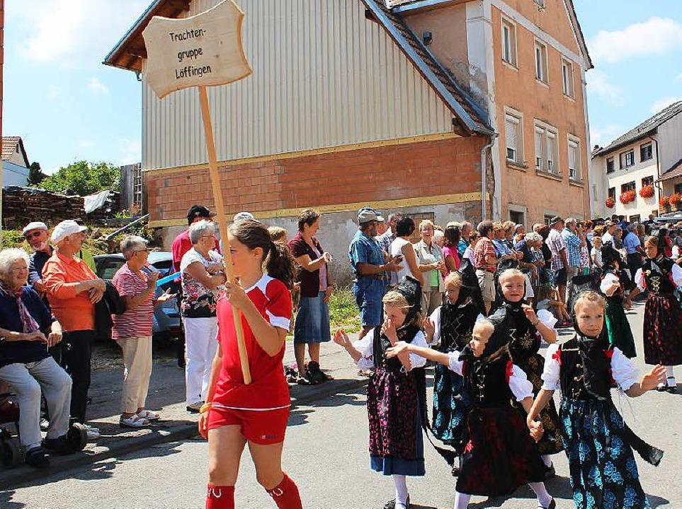 Die Trachtengruppe Löffingen bereicherte das Geschehen.  | Foto: Christa Maier