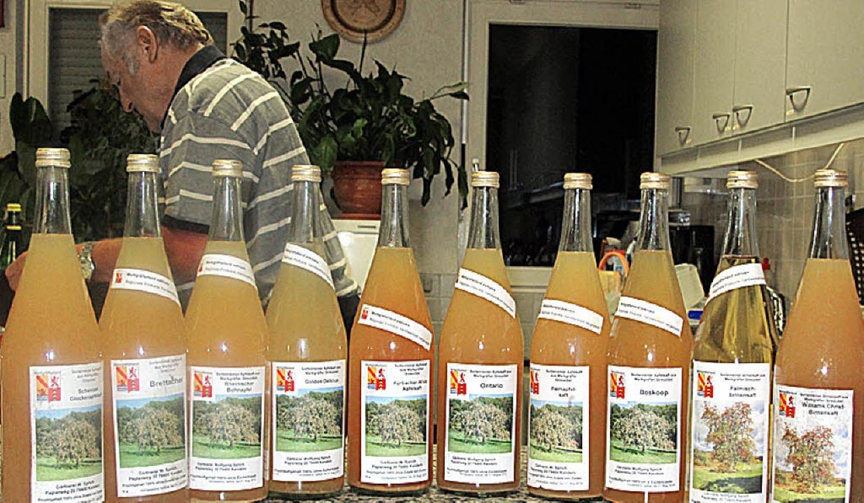 Rund 100 verschiedene Apfelsorten, aus...l - gibt es auf Feuerbacher Gemarkung.  | Foto: Jutta Schütz