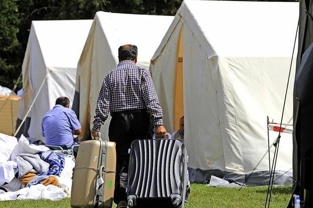 Flüchtlinge in Zelten - Übergangslösung im Kanton Aargau