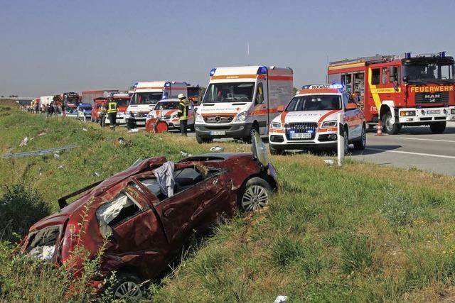 Bei Unfall mehrfach überschlagen