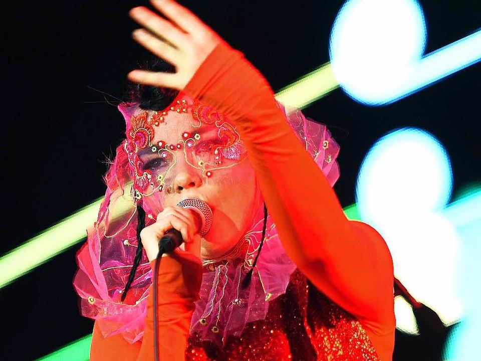 Superwoman im Nô-Theater: Björk in Berlin    Foto: dpa