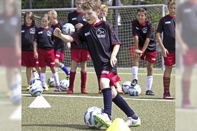 130 Fußballkinder und ein