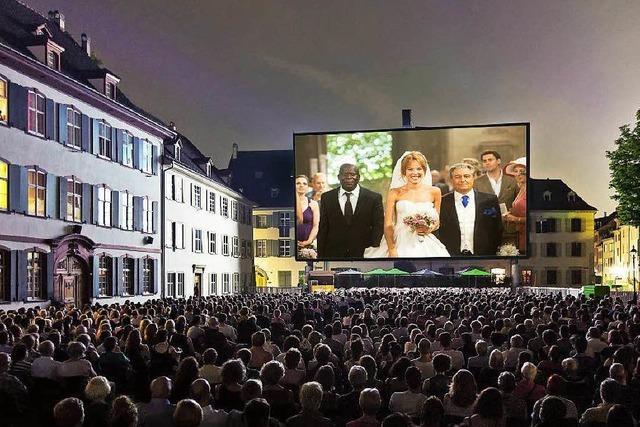 Open-Air-Kino auf dem Basler Münsterplatz