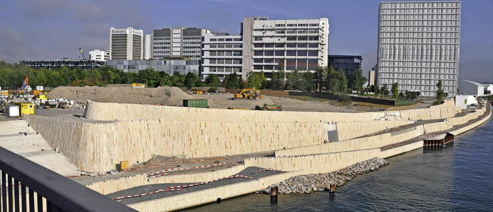 Blick auf die Baustelle der Promenade ...ehemaligen Industriekläranlage Steih)   | Foto: Gramespacher