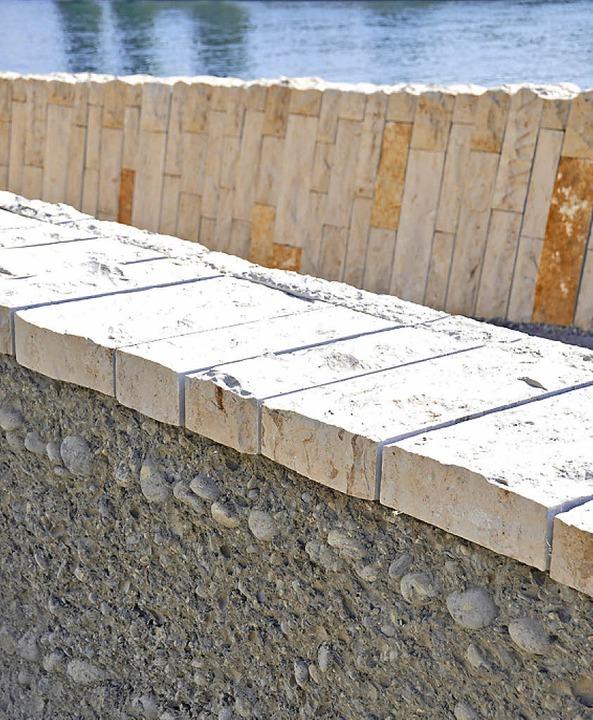 Innen Beton, außen Kalkstein: ein Detail der Gestaltung  | Foto: Daniel Gramespacher