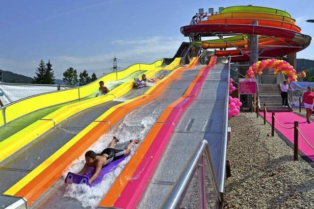 """Das """"Badeparadieses"""" hat jetzt eine 100 Meter lange Wasserrutsche"""