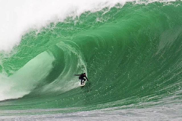 Big-Wave-Surfing in Irland: ein Surftraum in Grün